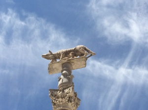 Cirrus clouds over Siena on Tuesday; predicting changing weather in next 24-48 hours.