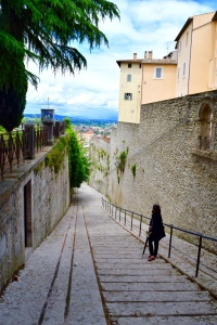 We find a more direct route down to the entry to Spoleto, but is turns out to be a daunting set of hundreds of steps almost straight down.